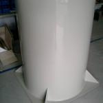Henger alakú műanyag bortartály