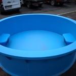 Műanyag medence ülésekkel